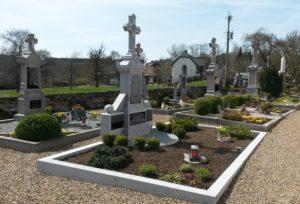 Renovierter Grabstein aus Blaustein